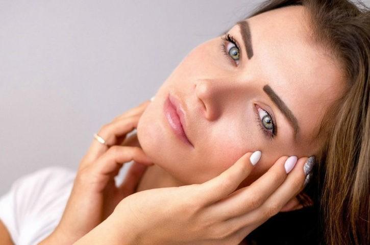 La rutina perfecta para cuidar tu rostro: limpieza, sérum de Onagra e hidratación