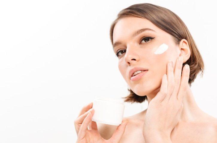 La importancia de cuidar la piel del rostro con cremas faciales