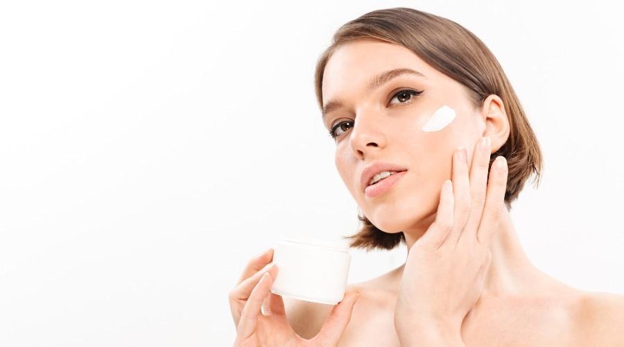 cuidar la piel del rostro con cremas faciales